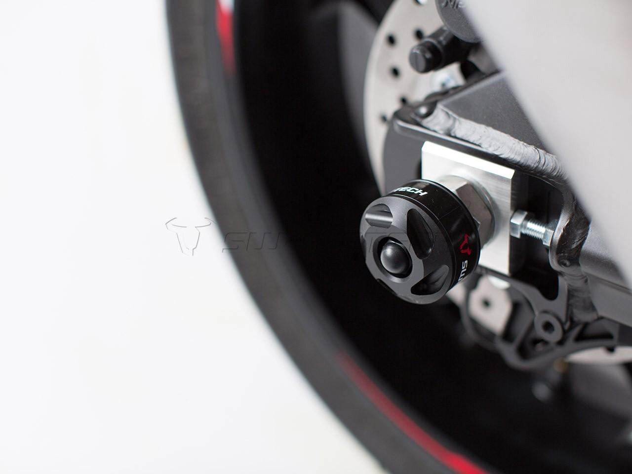 Yamaha YZF-R1 (15-) - slidery na zadní osu kola, SW-Motech STP.0