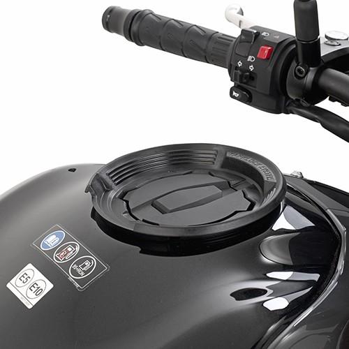 Kawasaki Versys X 300 (17-) - objímka Givi BF29 na víčko nádrže